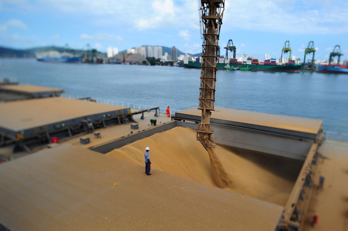 Terminal de grãos da Bunge no Porto de Santos
