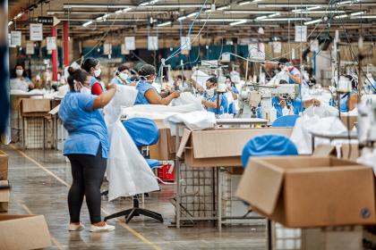 Fabricante de calçados Grendene atravessa a crise sem perder o sono