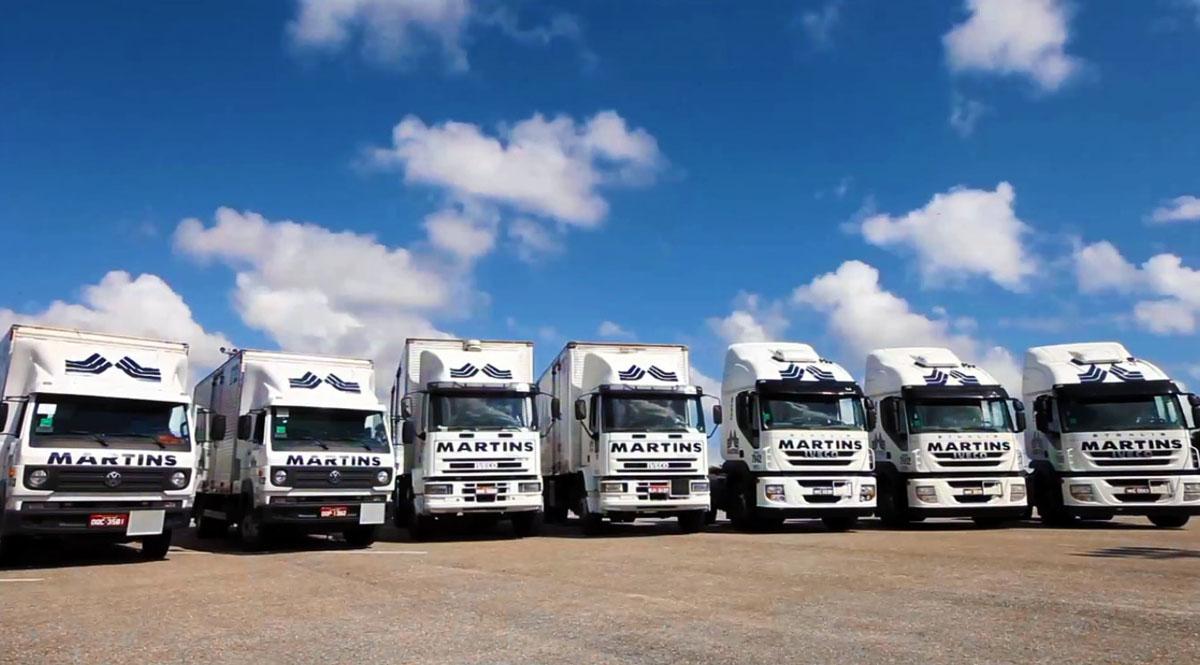 Frota de caminhões do Martins Atacado